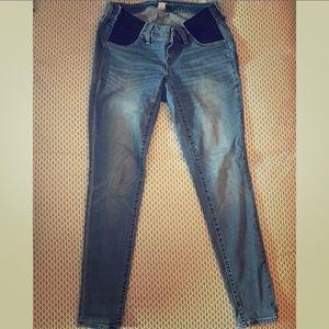 Side panel, skinny maternity jeans